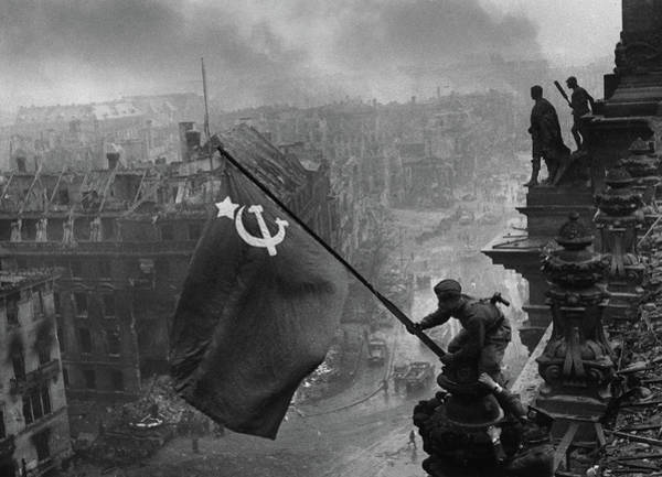 Wall Art - Painting - Raising A Flag Over The Reichstag by Yevgeny Khaldei