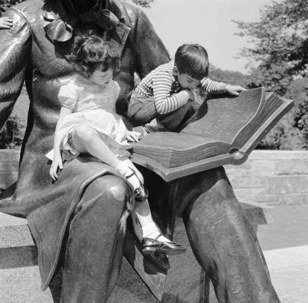 Learning Photograph - Reading A Fairy Story by Jacobsen