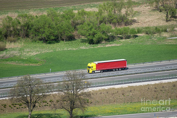 Photograph - Red And Yellow Truck by Les Palenik