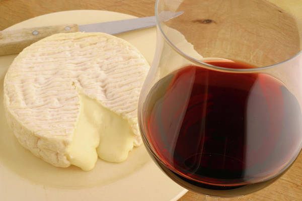 Wall Art - Photograph - Red Wine And Cheese by Lucgillet