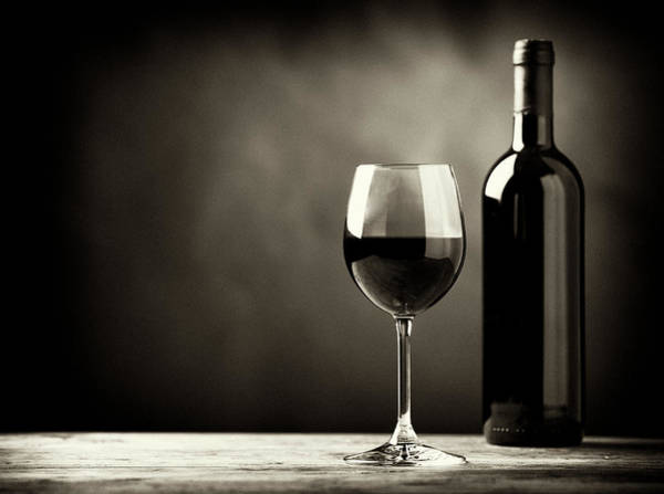 Selective Focus Wall Art - Photograph - Red Wine by Kaisersosa67