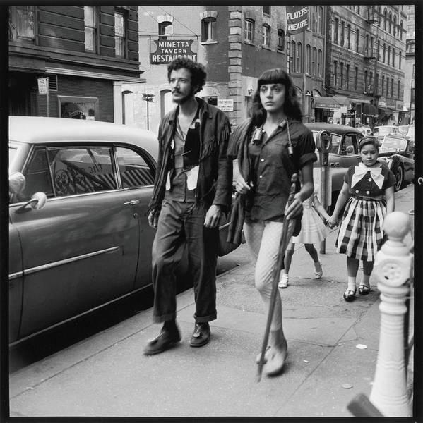 Photograph - Redmoon & Louise On Macdougal Street by Fred W. McDarrah