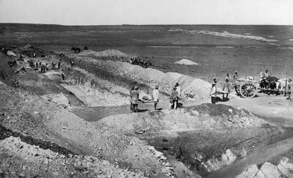 Miners Photograph - Reef Workings by Hulton Archive