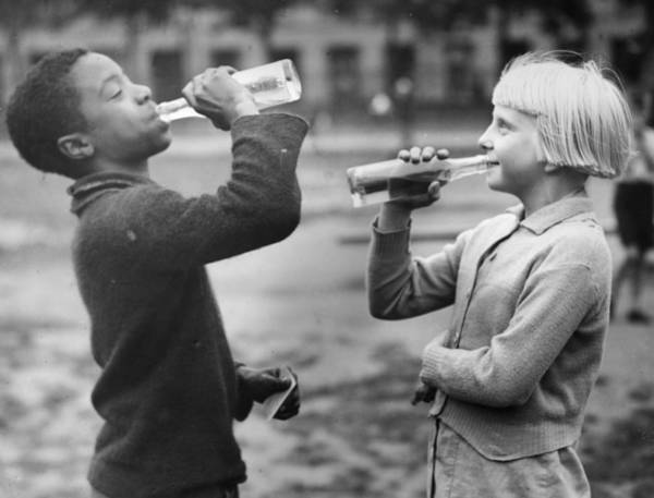 Reportage Photograph - Refreshing Pop by Richards