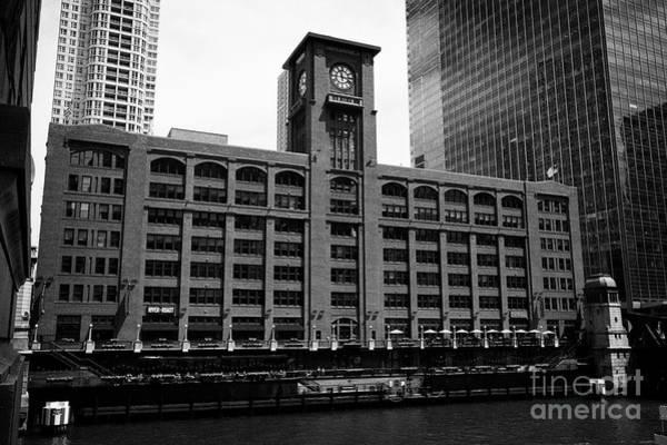 Wall Art - Photograph - Reid Murdoch Center Or Central Office Building Home Of Encyclopedia Britannica Chicago Il Usa by Joe Fox