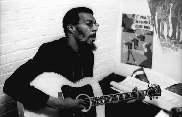 Greenwich Village Photograph - Richie Havens At The Cafe Au Go Go by Michael Ochs Archives