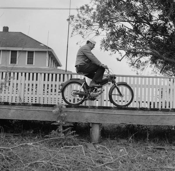 Wall Art - Photograph - Riding In Pilottown by Efield