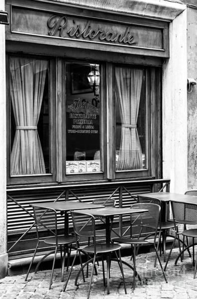 Photograph - Ristorante In Rome by John Rizzuto