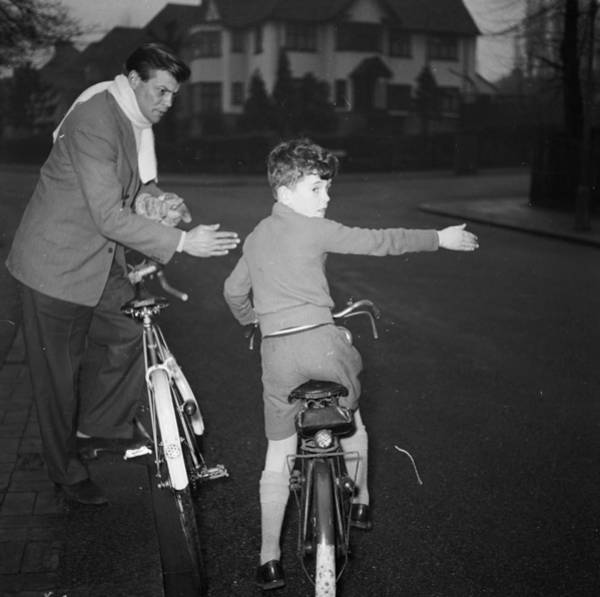Learning Photograph - Road Safety by Chaloner Woods