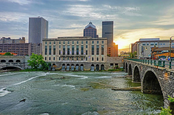 Photograph - Rochester Ny Court Street Bridge At Sunrise by Toby McGuire