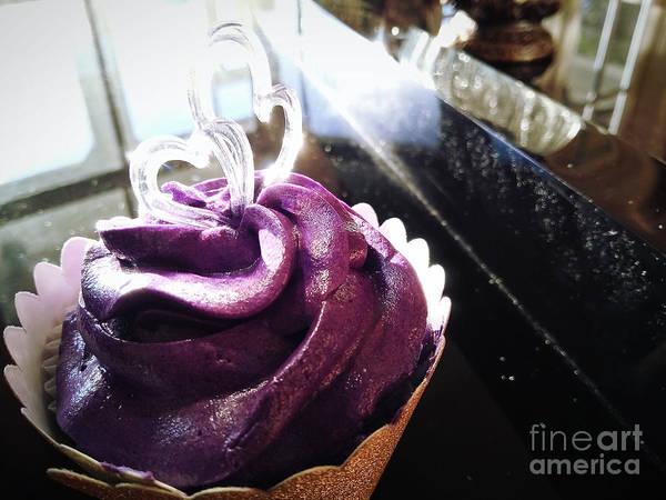 Photograph - Royal Love Cupcake by Robert Knight