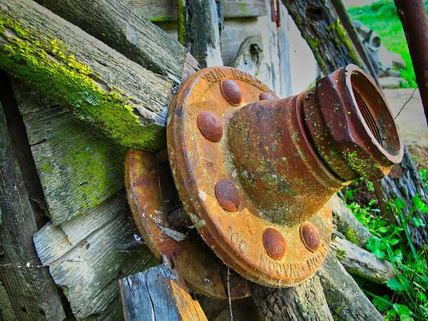 Photograph - Rusted Hub by Tom Gresham