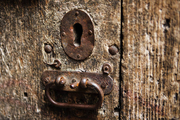 Mfa Wall Art - Photograph - Rustic Keyhole by Iris Richardson