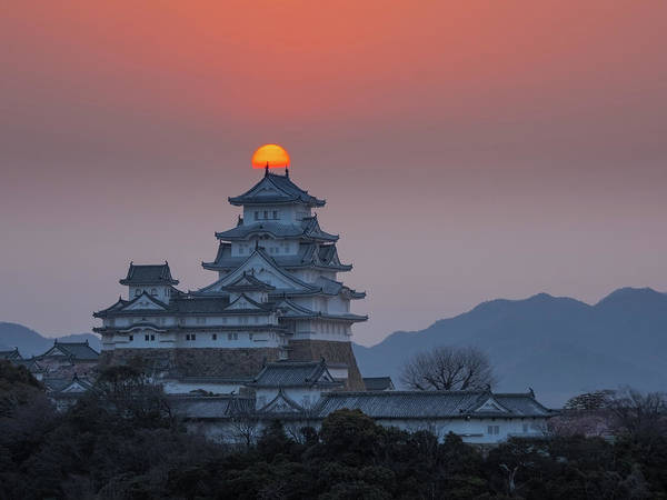 Himeji Photograph - Sacred Sunrise In Land Of Rising Sun by Dan Leffel