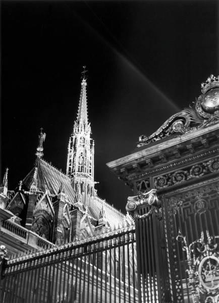 Chapelle Photograph - Sainte-chapelle In Paris, 1953 by Keystone-france