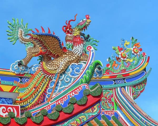 Photograph - San Jao Phut Gong Dragon Roof Phoenix Dthu0826 by Gerry Gantt