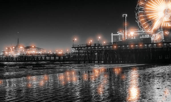 Photograph - Santa Monica Glow By Mike-hope by Michael Hope