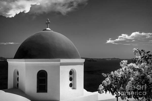 Wall Art - Photograph - Santorini - Greece - Black And White by Stefano Senise
