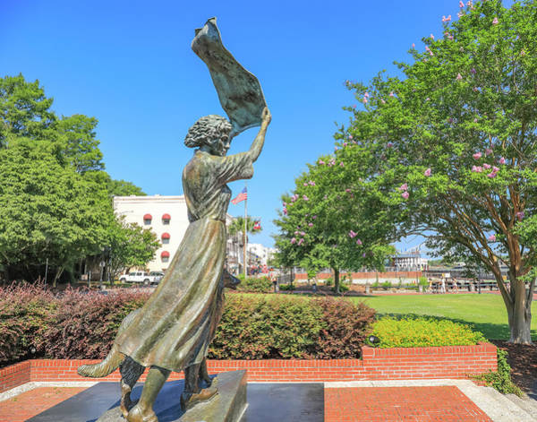 Wall Art - Photograph - Savannah Waving Girl by Dan Sproul