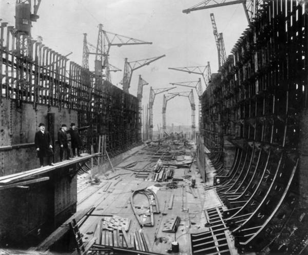 Clydebank Photograph - Scottish Shipbuilding by Topical Press Agency