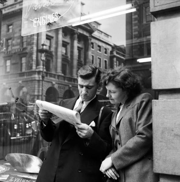 Newspaper Photograph - Sharing A Paper by Bert Hardy