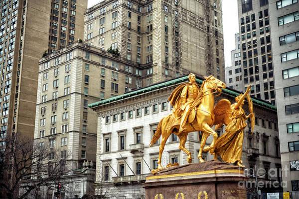 Photograph - Sherman At The Grand Army Plaza New York City by John Rizzuto