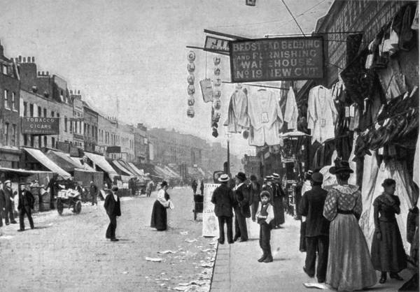 Merchandise Photograph - Shopping Street by Hulton Archive