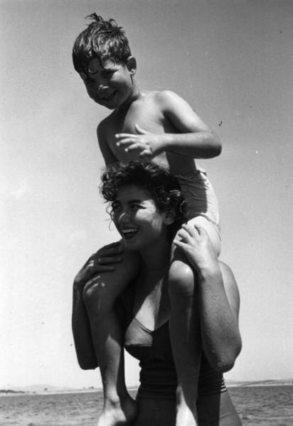 Shoulder Photograph - Shoulder Ride by Thurston Hopkins