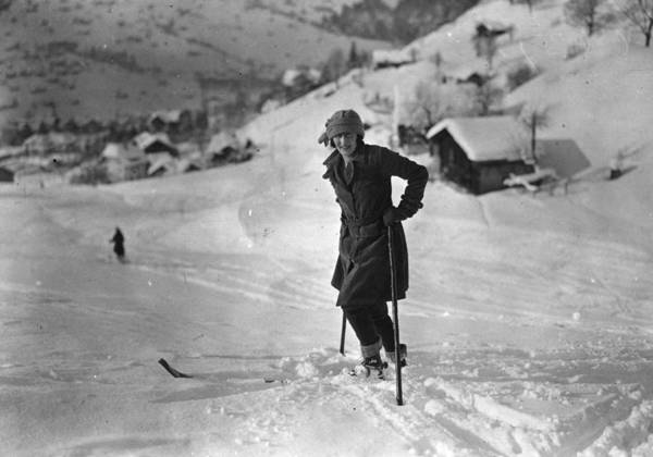 1923 Photograph - Skiing by Brooke