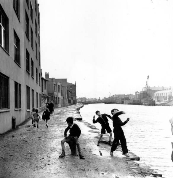 Wall Art - Photograph - Skimming Stones by Bert Hardy