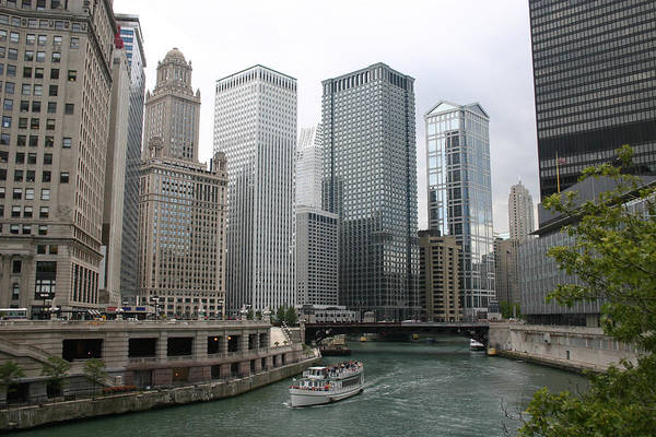 Office Manager Wall Art - Photograph - Skyline Of Chicagos Downtown In Illinois by Trait2lumiere