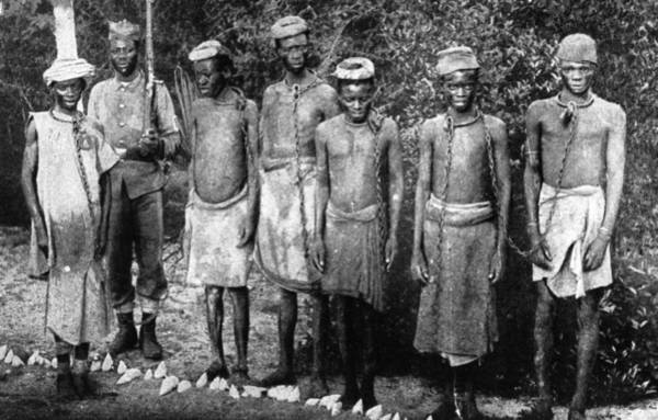 Wall Art - Photograph - Slaves In Chains by Hulton Archive