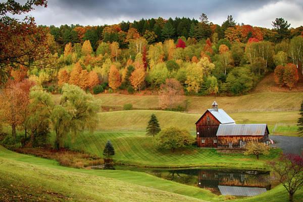 Photograph - Sleepy Hollow Barn In Autumn by Jeff Folger