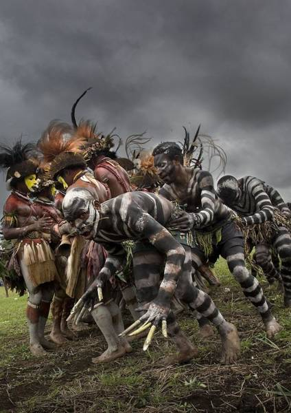 Photograph - Snake Men And Hulis Dancing In Mount by Eric Lafforgue