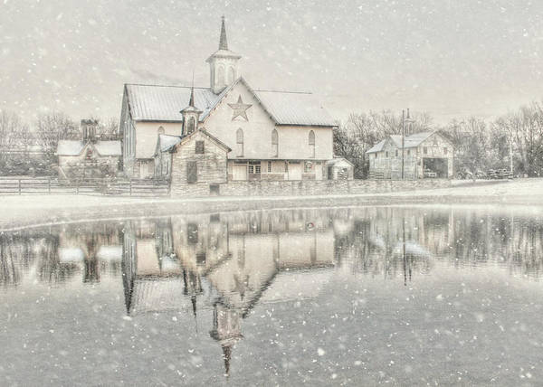 Pennsylvania Barn Photograph - Snowy Star Barn by Lori Deiter