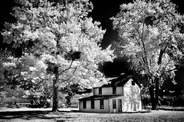 Photograph - Snyder Battlefield Farm House - B W by Paul W Faust - Impressions of Light