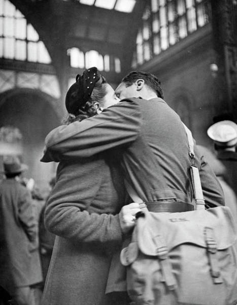 Girlfriend Photograph - Soldier Giving His Girlfriend A by Alfred Eisenstaedt