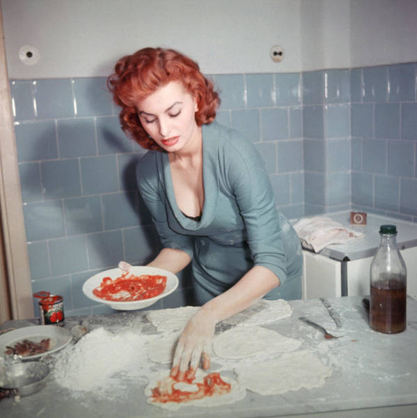 Horizontal Photograph - Sophia Loren by Archive Photos