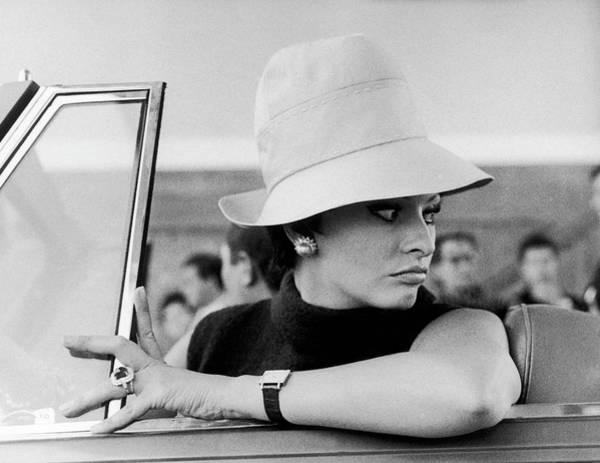 Sophia Photograph - Sophia Loren In The Movie Yesterday by Keystone-france
