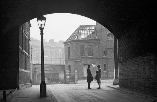 Wall Art - Photograph - South London Street by Bert Hardy