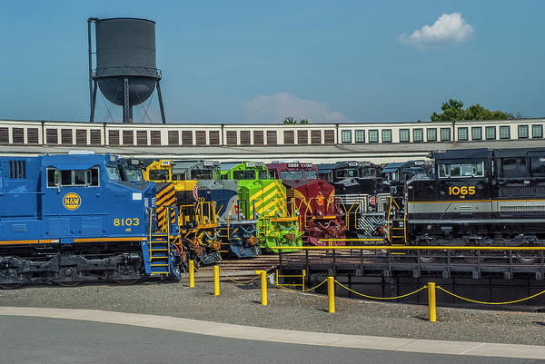 Photograph - Southern Heritage Unit On The Turntable by Matthew Irvin