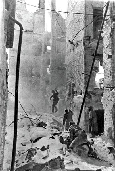 Painting - Soviet Soldiers Advance Through The Snow-covered Ruins During The Battle Of Stalingrad, January 1943 by Celestial Images