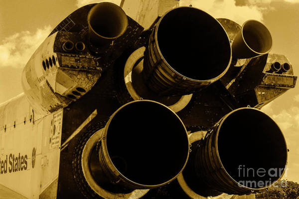 Wall Art - Photograph - Space Shuttle Endeavour 33 by Micah May