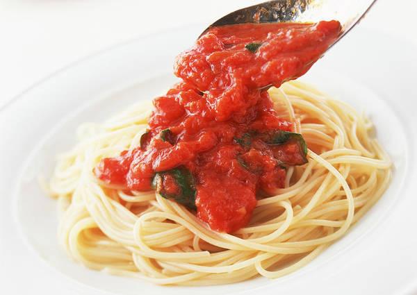 Wall Art - Photograph - Spaghetti Pomodoro by Imagenavi