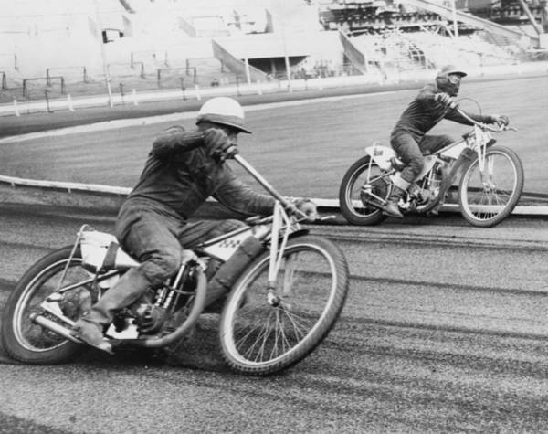 Motorcycle Racing Photograph - Speedway Racing by Central Press