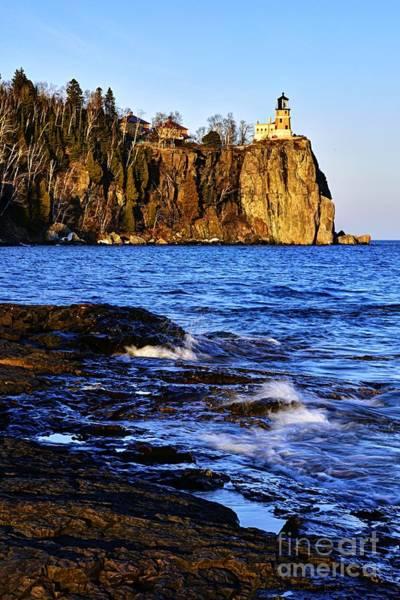 Photograph - Split Rock Lighthouse by Larry Ricker