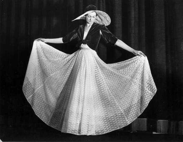 Model A Photograph - Spring Fashion by A. Hudson