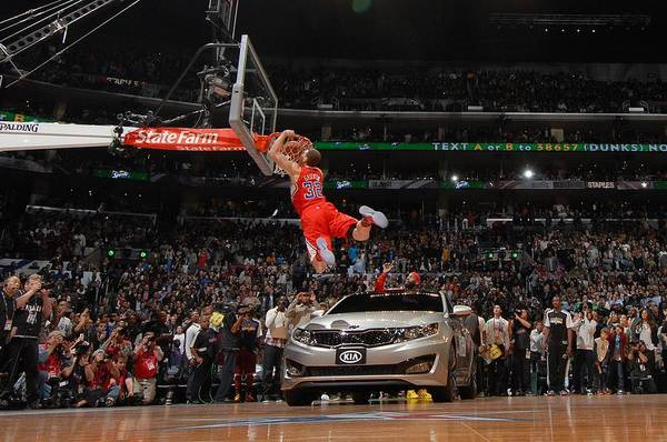 Contest Photograph - Sprite Slam Dunk Contest by Andrew D. Bernstein