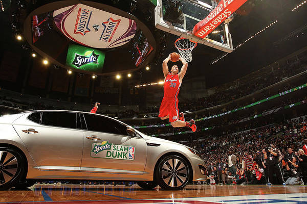 Contest Photograph - Sprite Slam Dunk Contest by Nathaniel S. Butler