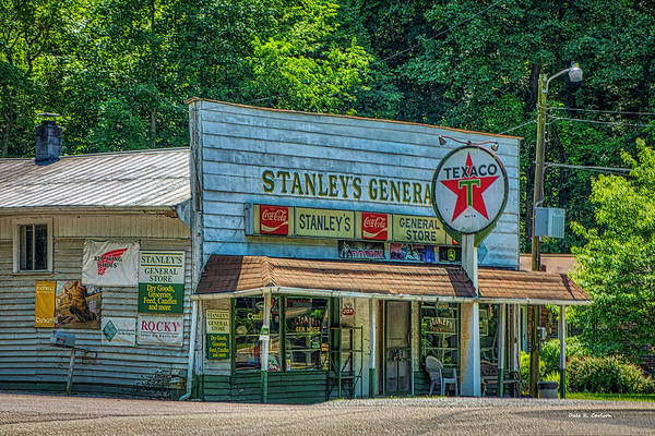 Photograph - Stanleys General Store by Dale R Carlson